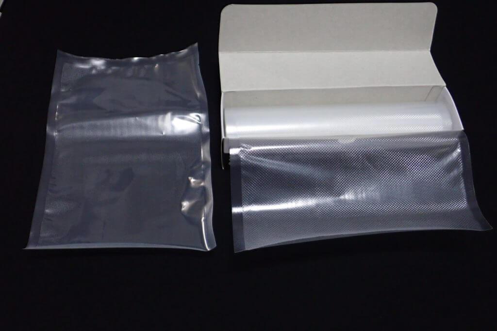 真空保存専用袋には個別タイプとロールタイプがある
