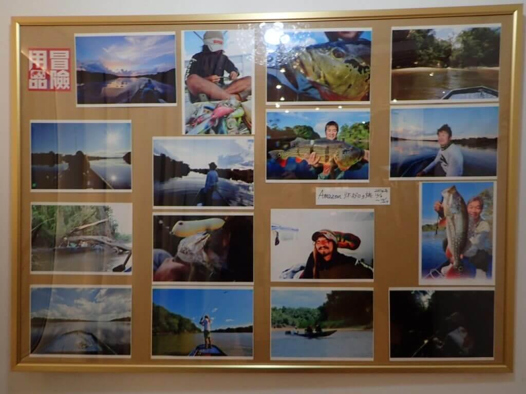 試着室に飾られた写真