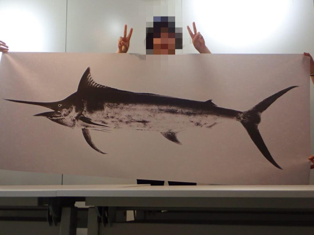 実寸の7割サイズで出力したカジキのデジタル魚拓