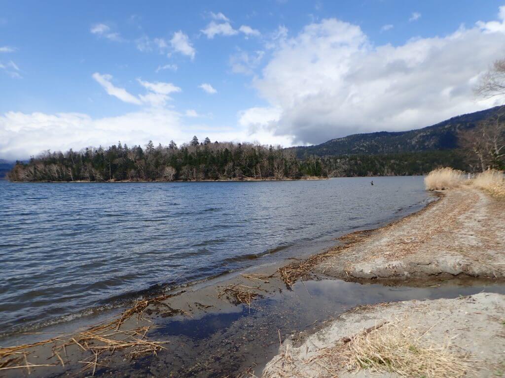北海道の広大な湖