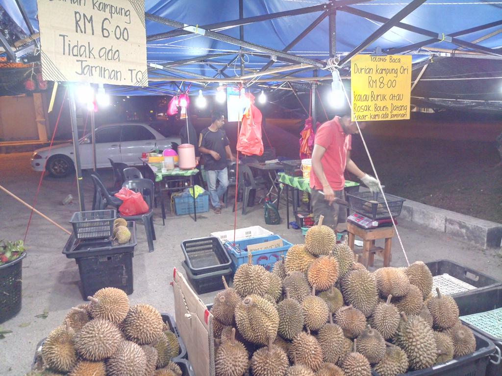 フルーツが売ってある屋台