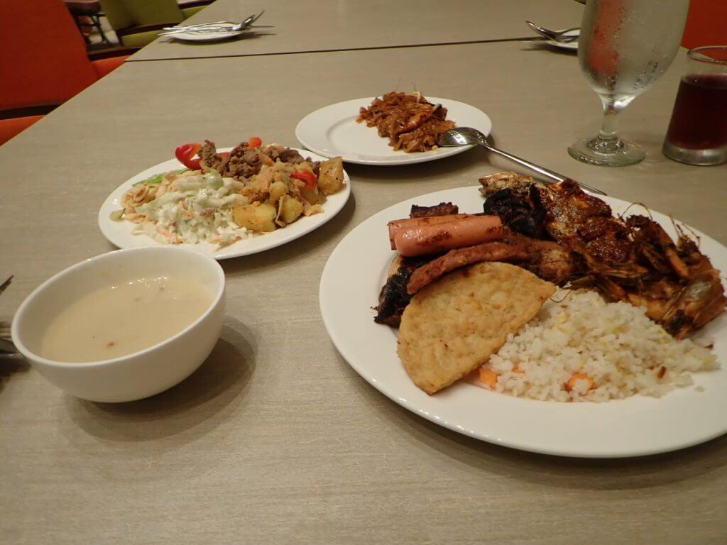 ホテルでの夕食